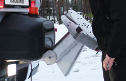 IceStriker spreader steel chute