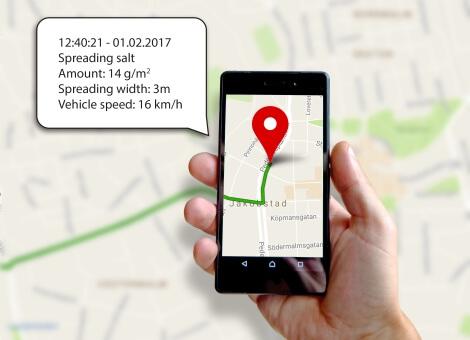 Spreader tracking system