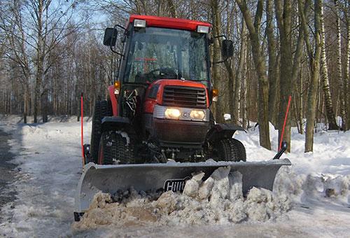SnowStriker plow for tractors
